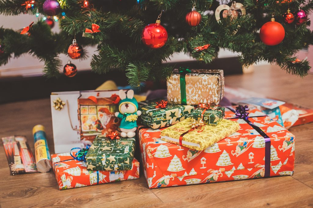 Have a genealogy enthusiast on your Christmas list? Find unique genealogy-themed gift ideas for the family historian on your list.
